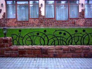 Ограждения для газонов из художественной ковки
