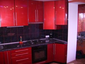 Кухни с крашеными фасадами