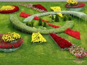 Как можно украсить садовый участок?