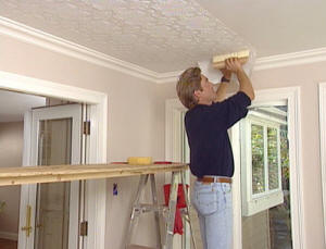 покраска потолочной плитки