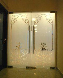 Подобрать стеклянные межкомнатные двери