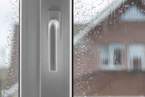 Почему зимой потеют металлопластиковые окна